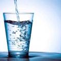 Як правильно пити воду? Яку воду краще пити?