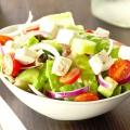 Які салати можна приготувати на день народження? Святкові салати на день народження: рецепти, фото