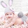 Оригінальні шапочки для новонароджених гачком зв'язати дуже просто