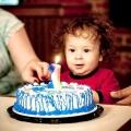Подарунок дитині на 1 рік. Подарунок хлопчикові і дівчинці на рік: приклади