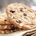 Користь і калорійність вівсяного печива. Скільки калорій в дієтичному і домашньому вівсяне печиво?
