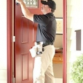Установка вхідних дверей своїми руками