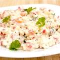 Страви з крабових паличок: салати і закуски