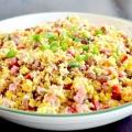 Салат з кукурудзою та ковбасою: варіанти приготування