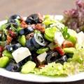 Салат з маслинами. Салат з сиром і маслинами. Рецепти салатів