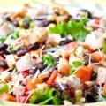 Салати з копченим сиром: рецепти