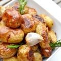Запікаємо картопля по-селянськи в духовці різними способами