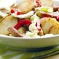 Апетитний салат зі смаженою картоплею