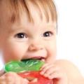 Що робити, коли ріжуться зуби у дитини