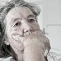 До чого сниться померла бабуся вмираючої? Чому часто сниться померла бабуся?