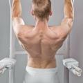 Які м'язи працюють при підтягуванні на турніку?